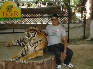 with-tiger-sriracha-zoo