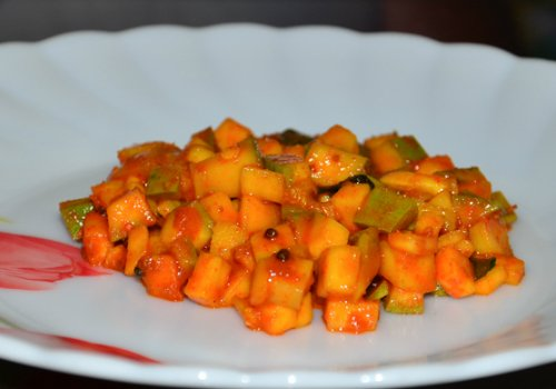 cut mango pickle recipe - kerala style